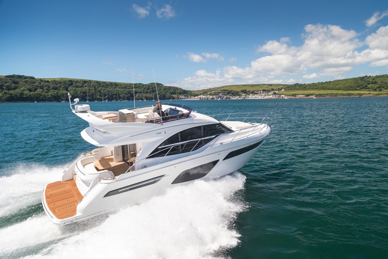 "Princess Yachts  F-class launches F50 and celebrates the F55 ""Best Flybridge"" award"