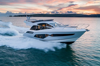 FIVE REASONS TO LOVE THE NEW SUNSEEKER MANHATTAN 55